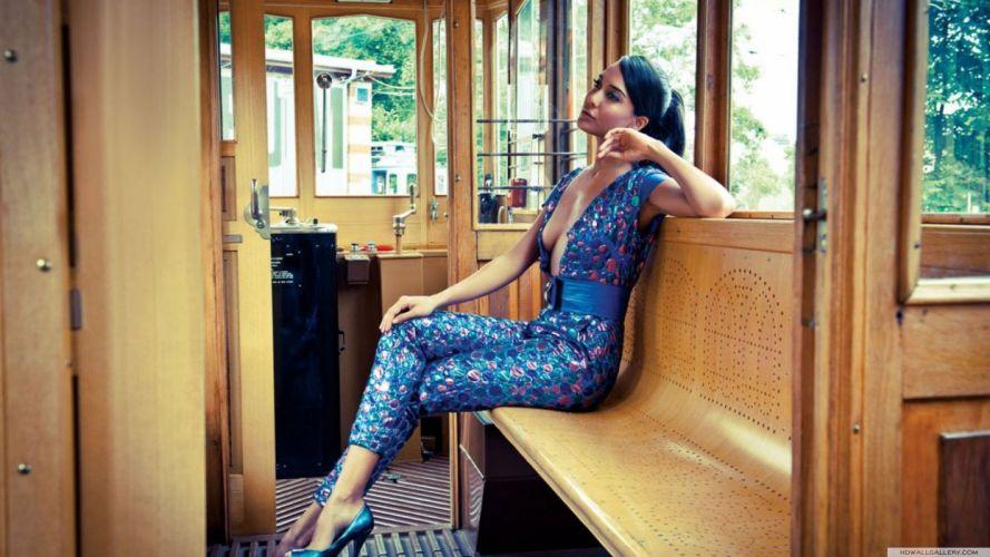 LISA HAYDON bollywood actress model babe (18) wallpaper