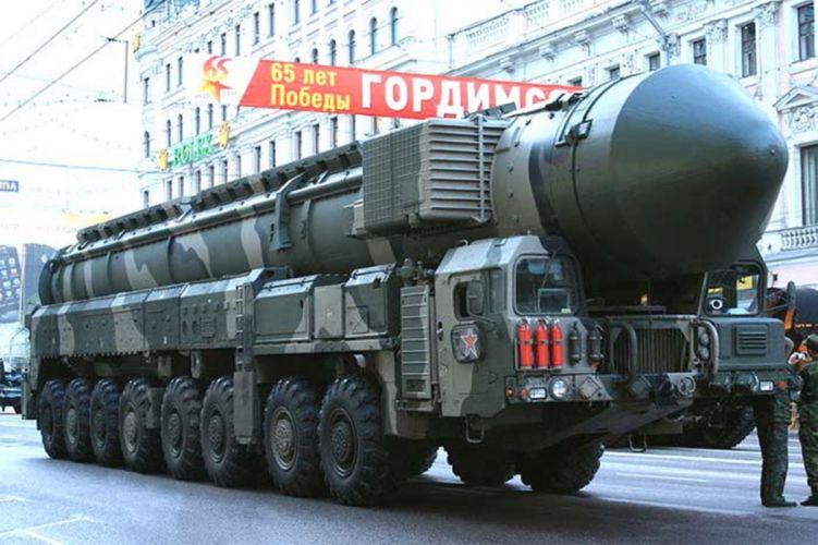 topol Russia missile russian soviet truck system mlitary zwSe5 4000x2663 wallpaper