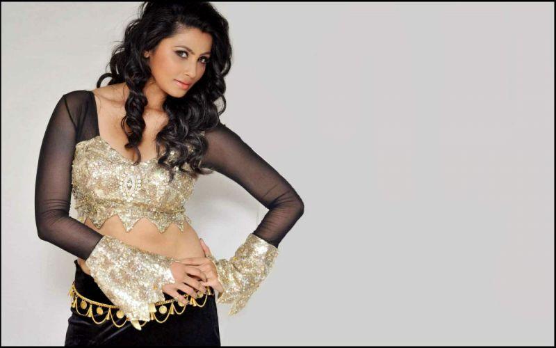 DAISY SHAH bollywood actress model babe (12) wallpaper