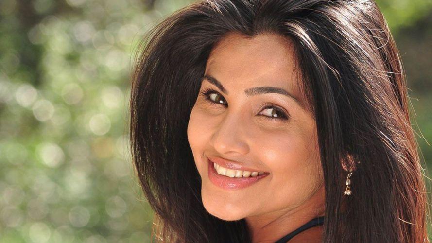 DAISY SHAH bollywood actress model babe (28) wallpaper