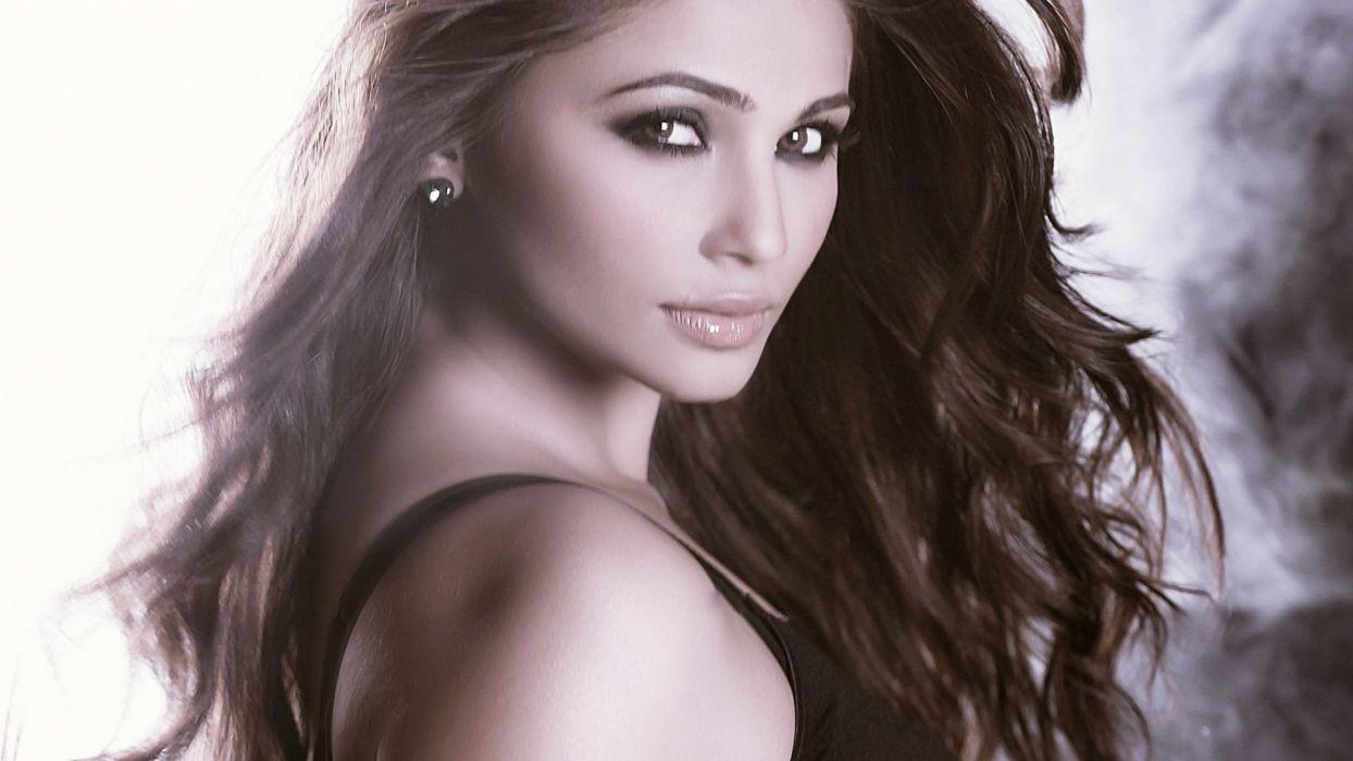 DAISY SHAH bollywood actress model babe (27) wallpaper