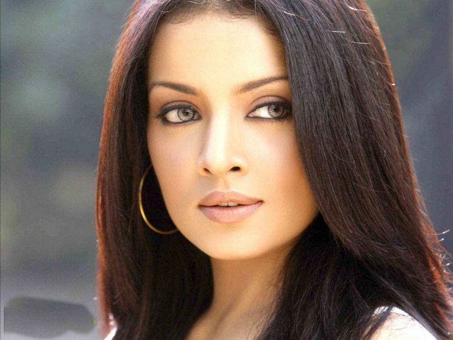 CELINA JAITLEY bollywood actress model babe (24) wallpaper