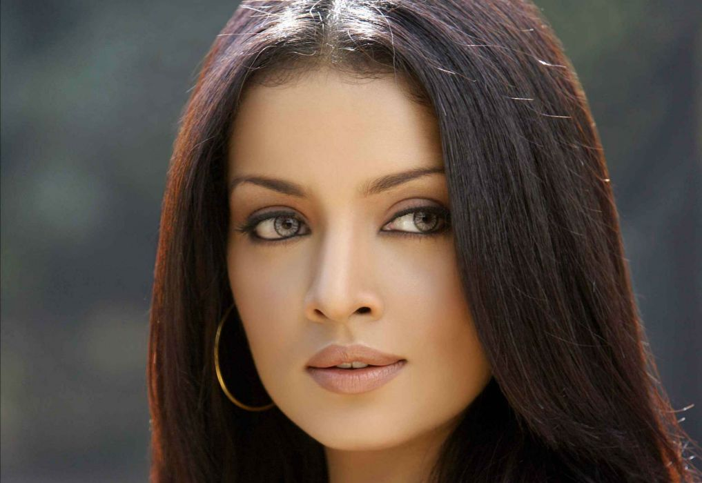 CELINA JAITLEY bollywood actress model babe (33) wallpaper