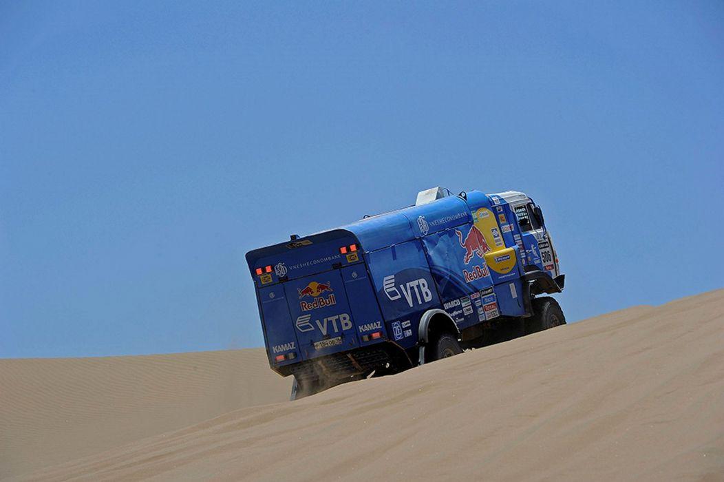 red-bull dakar rally russian kamaz race truck desert racing sand 2014 4000x2661 wallpaper