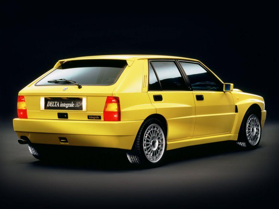 1993 Lancia Delta H-F Integrale Evoluzione I-I Gialla Ginestra (831)   g wallpaper