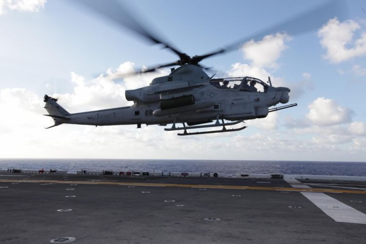 AH-1Z helicopter military aircraft (5) wallpaper