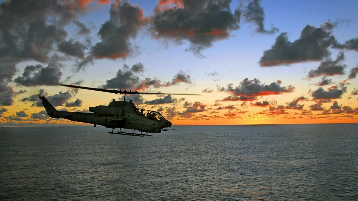 AH-1Z helicopter military aircraft (23) wallpaper