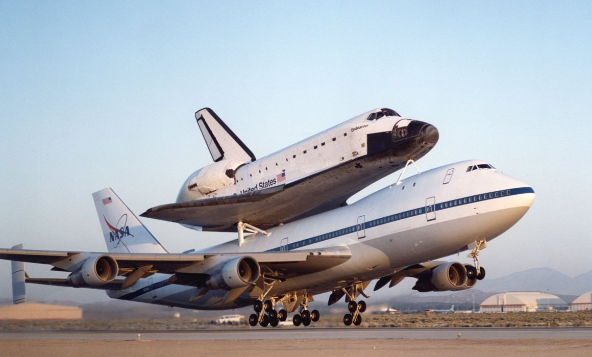 BOEING 747 airliner aircraft plane airplane boeing-747 nasa space shuttle   f wallpaper