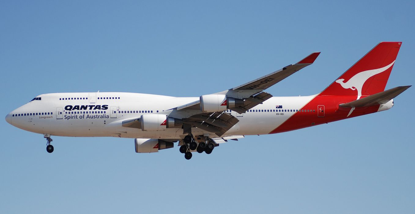 BOEING 747 airliner aircraft plane airplane boeing-747 transport (27) wallpaper