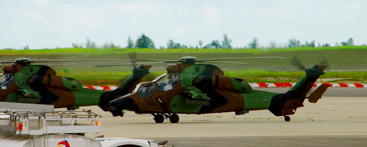 EUROCOPTER TIGER attack helicopter aircraft (49) wallpaper