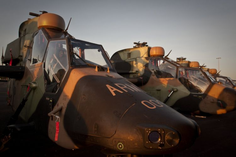 EUROCOPTER TIGER attack helicopter aircraft (46) wallpaper