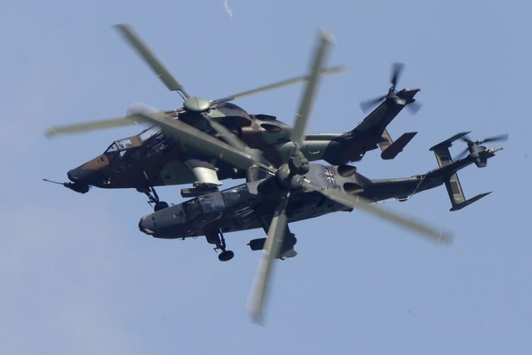 EUROCOPTER TIGER attack helicopter aircraft (39) wallpaper