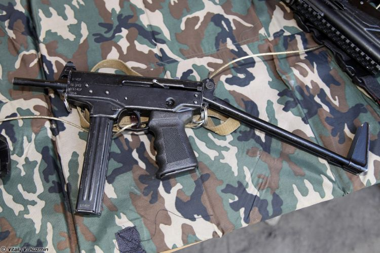Russia army troops special-forces military russian firearms OSN-Saturn 9x18 submachine gun PP-91 Kedr wallpaper