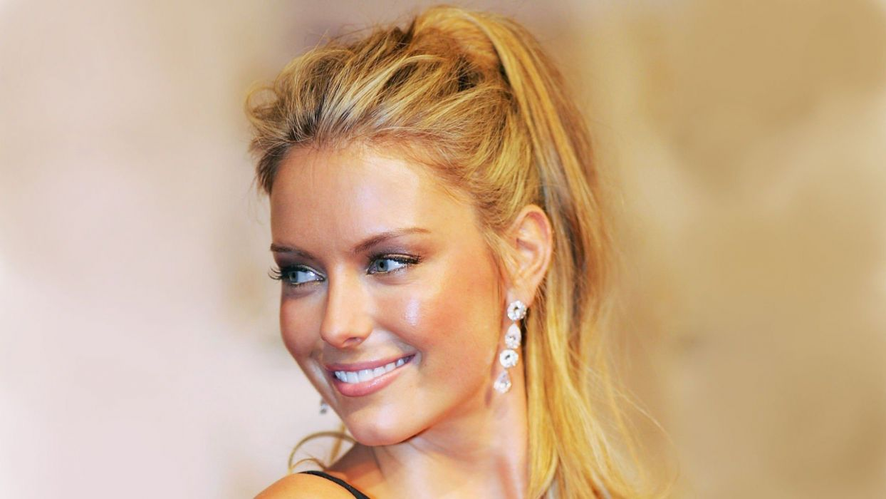 blondes women celebrity Jennifer Hawkins smiling wallpaper