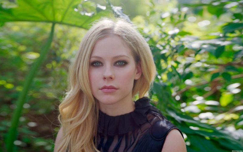 women Avril Lavigne wallpaper