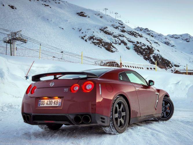 Nissan GT-R 2015 supercar car godzilar snow wallpaper 2d 4000x3000 wallpaper