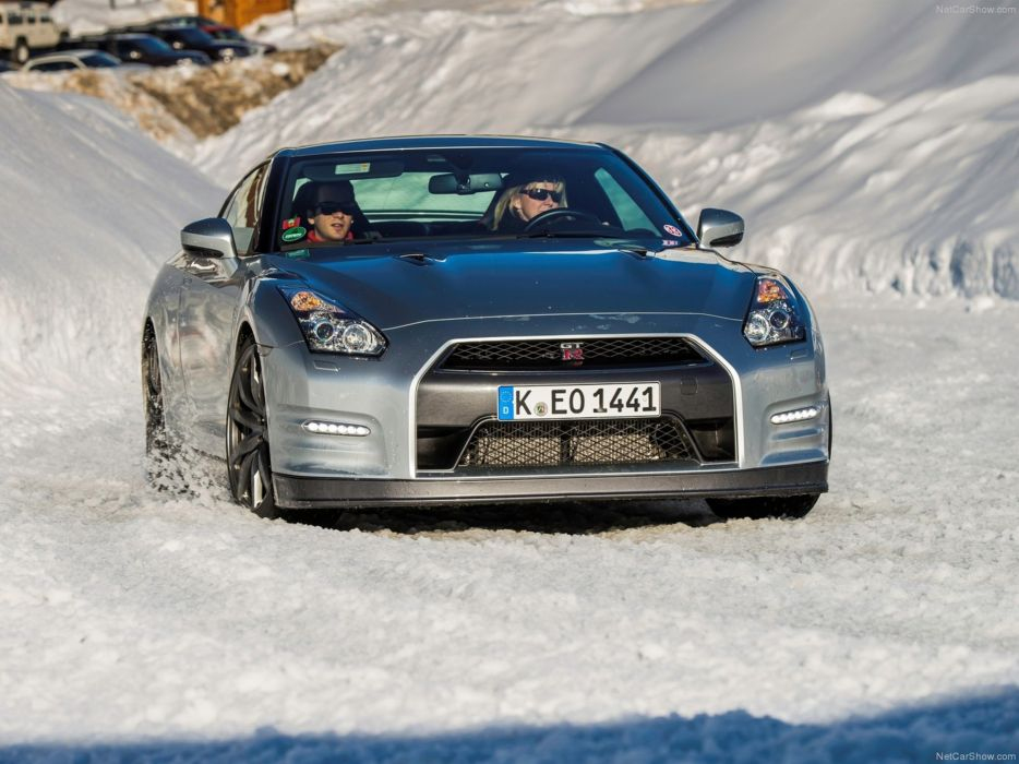 Nissan GT-R 2015 supercar car godzilar snow wallpaper 18 4000x3000 wallpaper