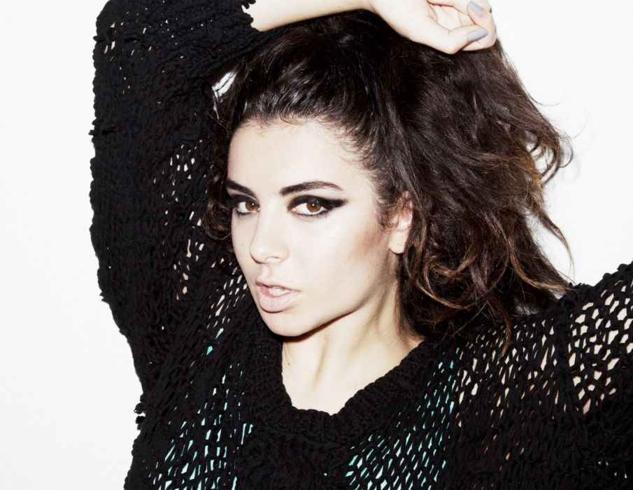 CHARLI XCX synthpop indietronica darkwave house pop indie electronica (2) wallpaper
