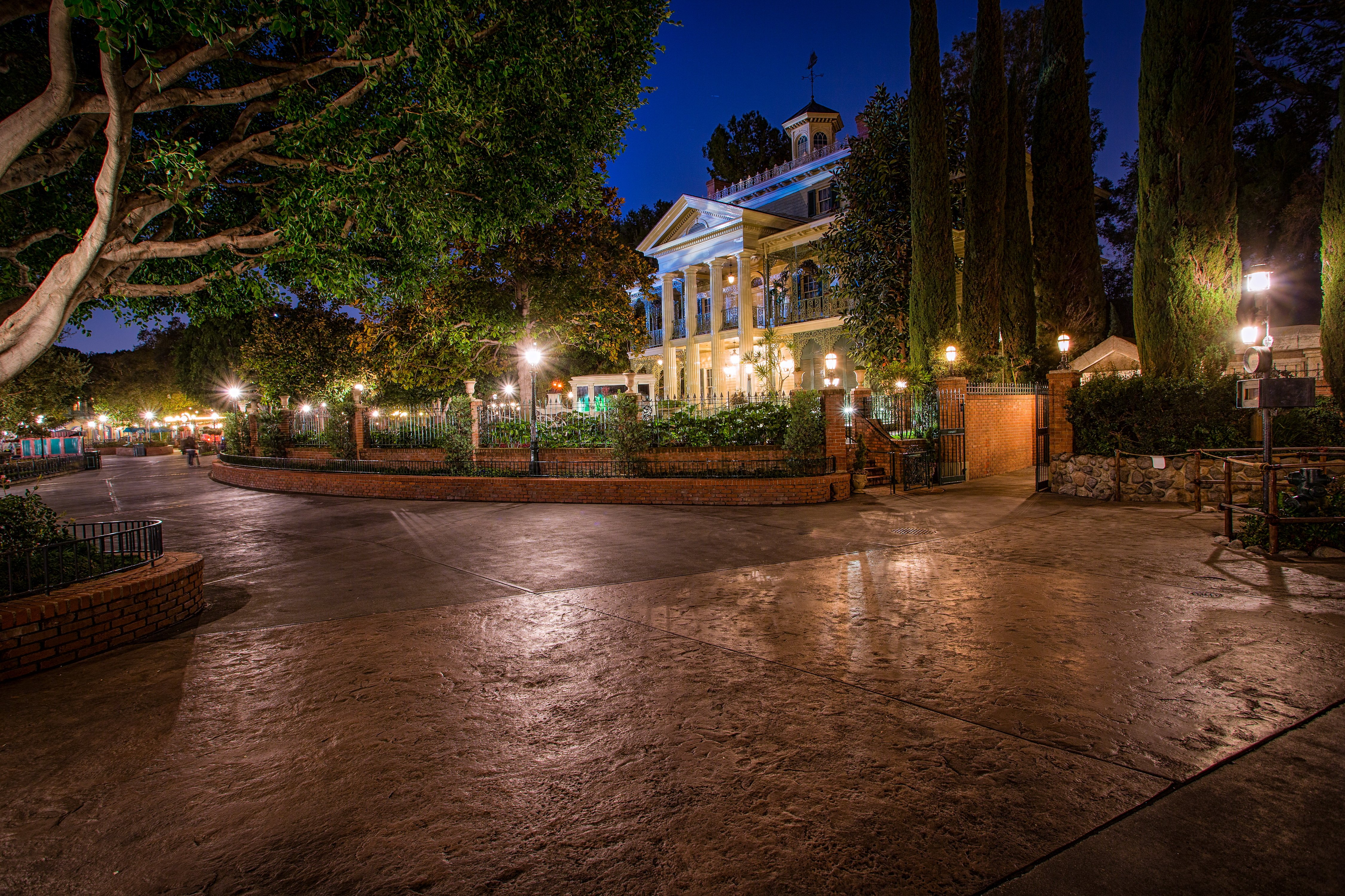 USA Disneyland Parks Houses California Anaheim Design HDR Night Street Lights Trees Cities Wallpaper