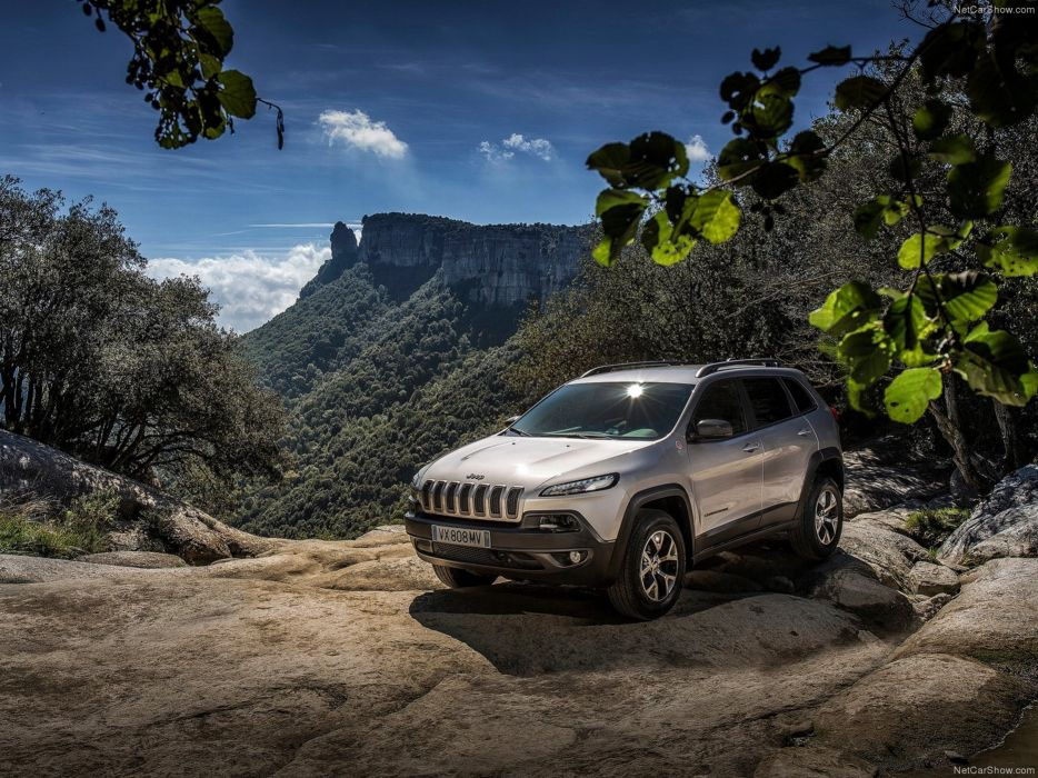 Jeep Cherokee EU-Version 2014 car suv 4x4 off-road 4000x3000 silver wallpaper