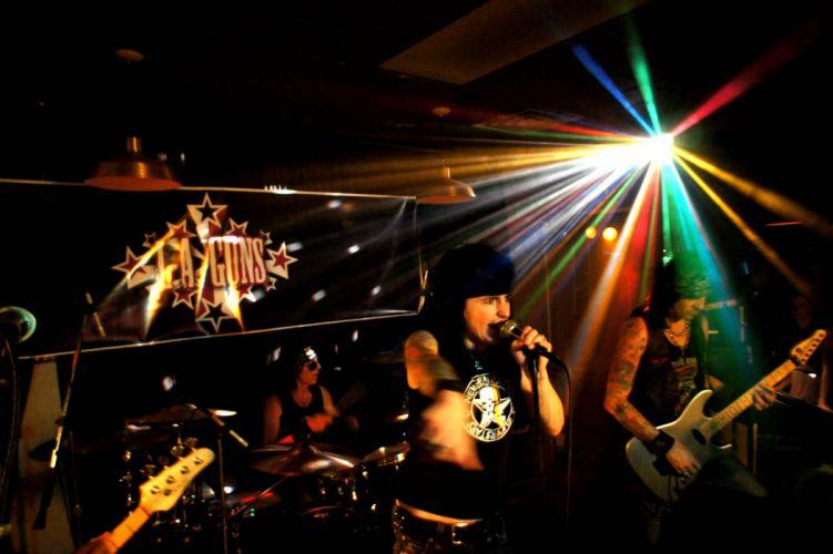 LA-GUNS hair metal heavy guns concert wallpaper
