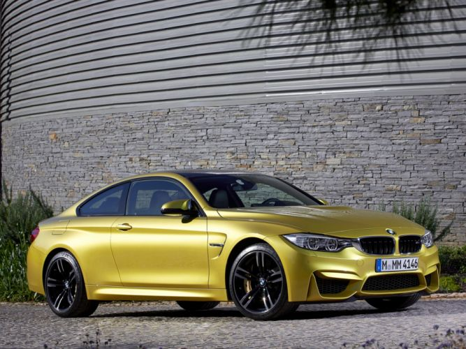 2014 BMW M-4 Coupe (F82) b wallpaper