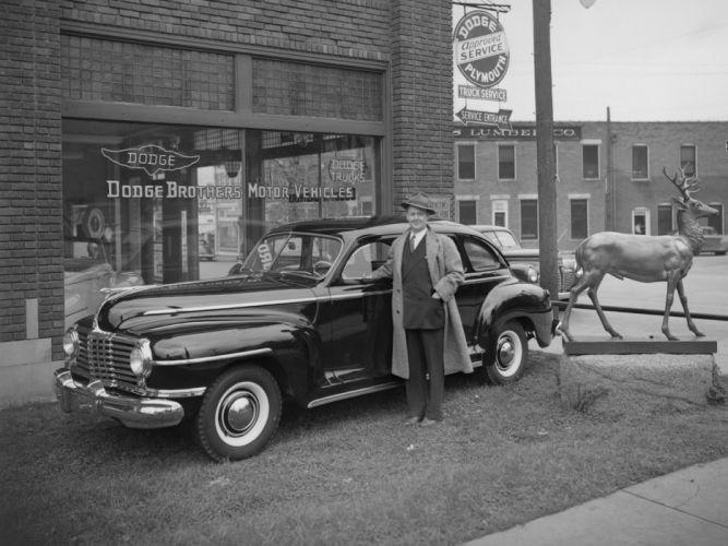1942 Dodge Deluxe 4-door Sedan (D22) retro wallpaper