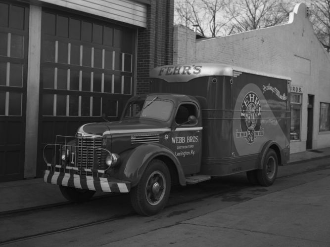 1947 International KB-6 delivery retro d wallpaper