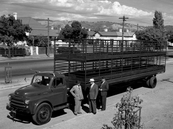 1955 Fargo 8-71 A-F Tractor semi retro g wallpaper