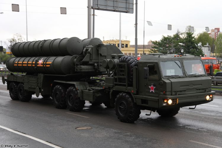 May-5th rehearsal of 2014 Victory Day Parade in Moscow Russia Red Star Russian Military Army EL for S-400 missile system truck 4000x2667 wallpaper