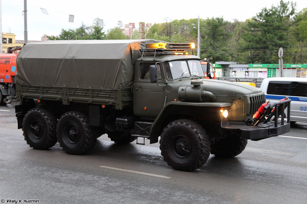 May-5th rehearsal of 2014 Victory Day Parade in Moscow Russia Red Star Russian Military Army Light wheeled evacuation carrier KT-L truck 4000x2667 wallpaper