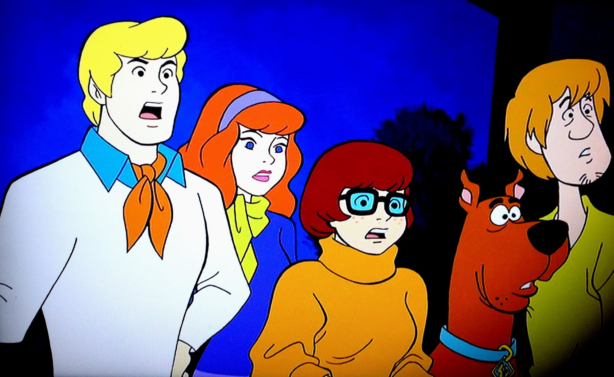 scooby doo thesis As the warner bros logo fully appears, a chunk of it is suddenly bitten off, and scooby-doo is heard giggling a new logo appears, with the letters sd in it (for scooby-doo), and reading underneath a mystery inc company.