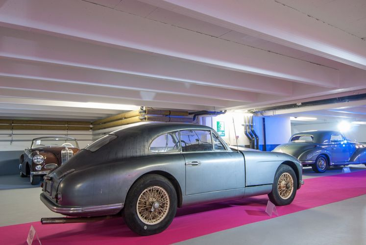 RM's Auction in Monaco classic car 1953 Aston Martin DB2 Vantage CoupA wallpaper