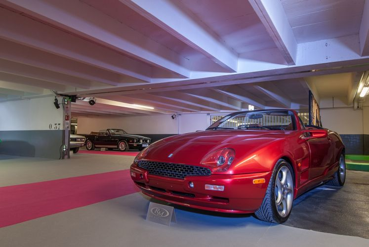 RM's Auction in Monaco classic car supercar Italy 1999 Qvale Mangusta 4000x2677 wallpaper