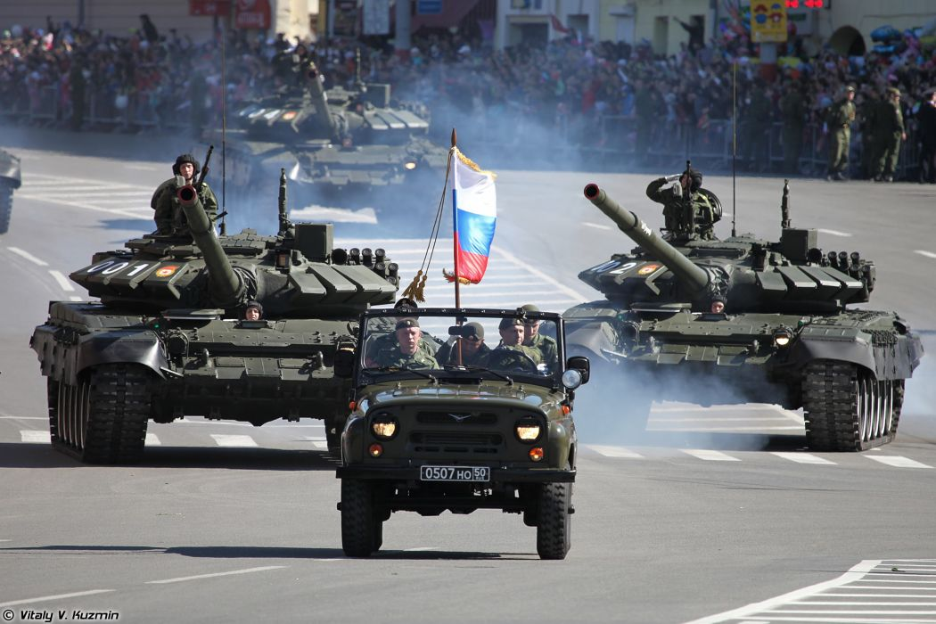 2014 Victory Day Parade-in-Nizhny-Novgorod Russia Military Russian Army Red-Star 4x4 tank MBT UAZ-3151 and T-72B3 4000x2667 wallpaper