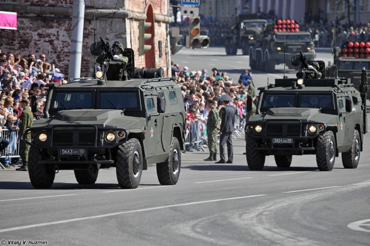 2014 Victory Day Parade-in-Nizhny-Novgorod Russia Military Russian Army Red-Star AMN 233114 Tigr-M armored vehicle 4000x2667 wallpaper
