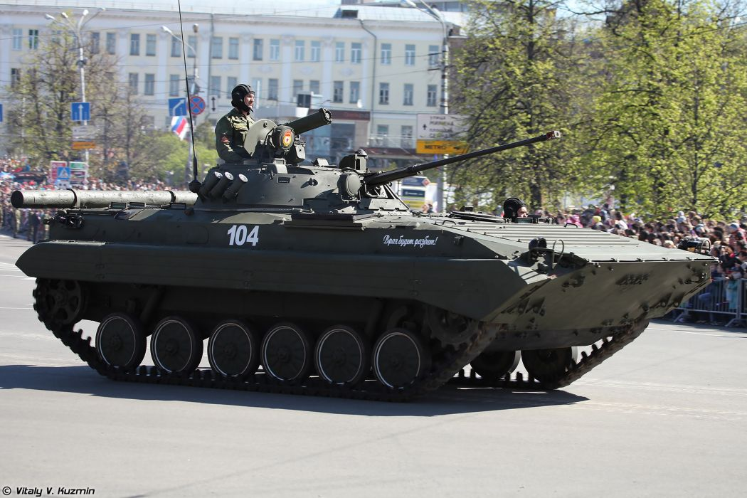 2014 Victory Day Parade-in-Nizhny-Novgorod Russia Military Russian Army Red-Star armored BMP-2 IFV 2 4000x2667 wallpaper