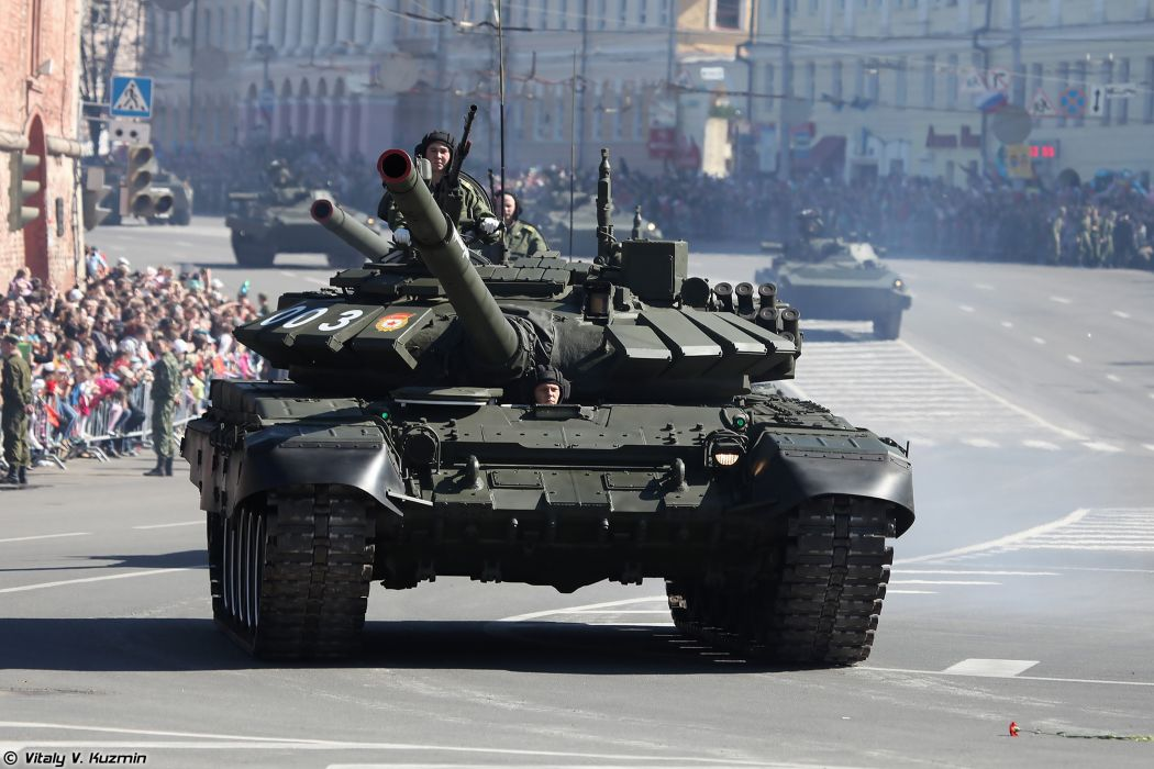 2014 Victory Day Parade-in-Nizhny-Novgorod Russia Military Russian Army Red-Star Armored Tank MBT T-72B3 2 4000x2667 wallpaper