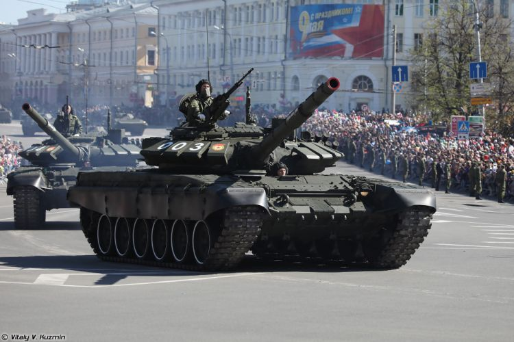 2014 Victory Day Parade-in-Nizhny-Novgorod Russia Military Russian Army Red-Star Armored Tank MBT T-72B3 3 4000x2667 wallpaper