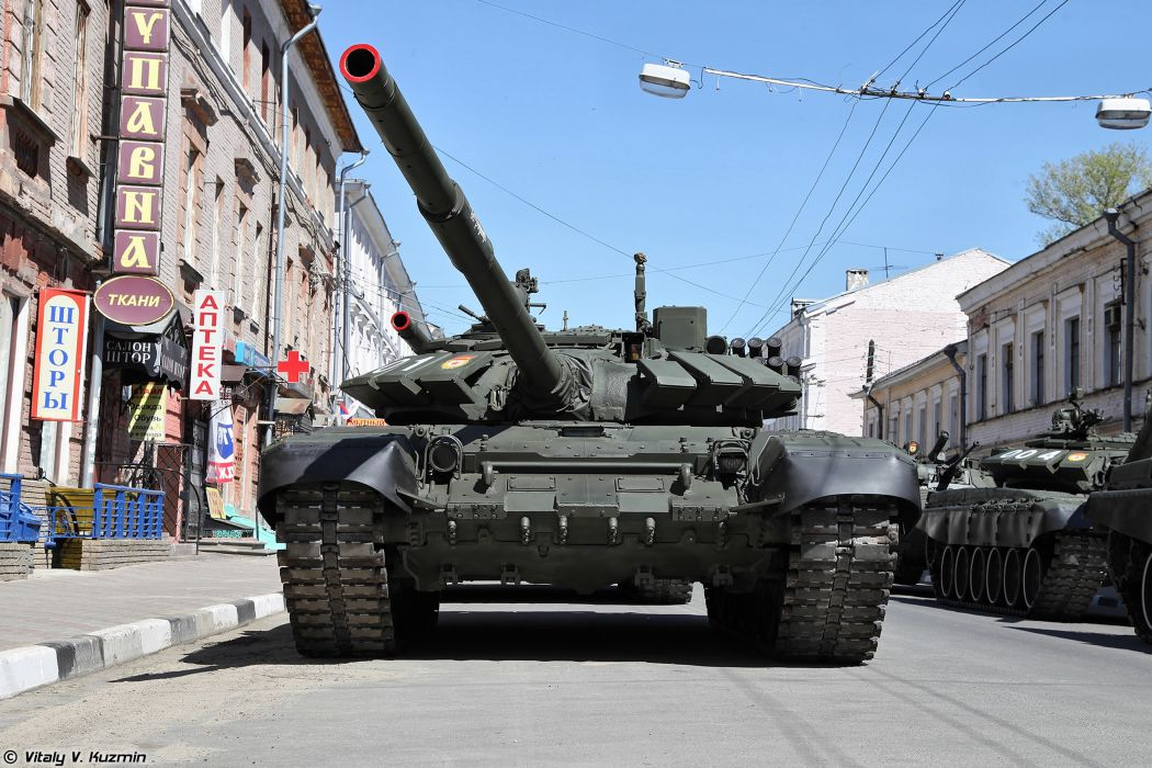 2014 Victory Day Parade-in-Nizhny-Novgorod Russia Military Russian Army Red-Star Armored Tank MBT T-72B3 tanks from 9th Separate Motor Rifle Brigade 3 4000x2667 wallpaper