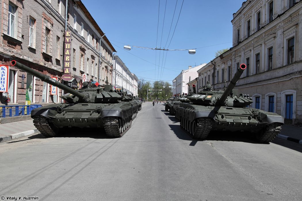 2014 Victory Day Parade-in-Nizhny-Novgorod Russia Military Russian Army Red-Star Armored Tank MBT T-72B3 tanks from 9th Separate Motor Rifle Brigade 6 4000x2667 wallpaper