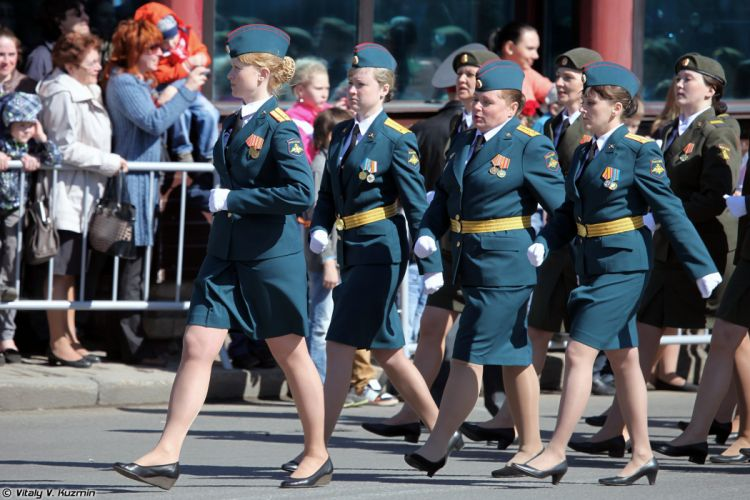 2014 Victory Day Parade-in-Nizhny-Novgorod Russia Military Russian Army Red-Star woman Combined parade company of female military personnel 2 4000x2667 wallpaper