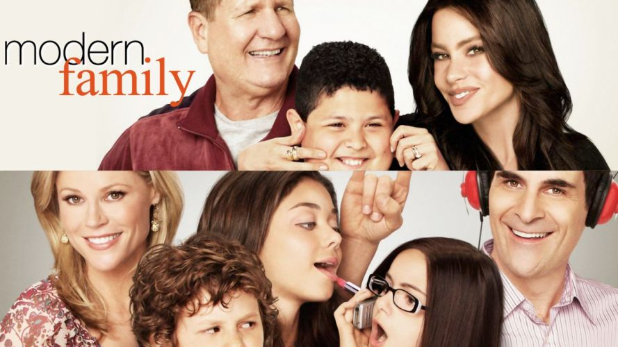 MODERN FAMILY sitcom comedy series (19) wallpaper