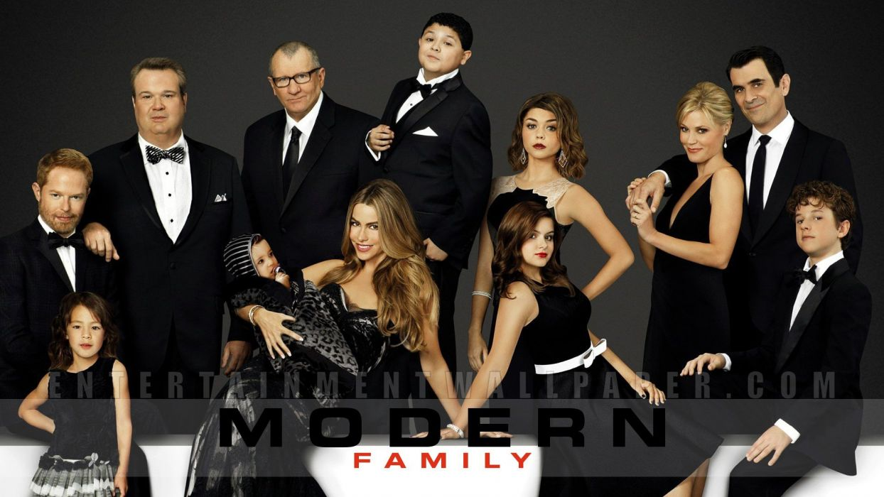 MODERN FAMILY sitcom comedy series (34) wallpaper