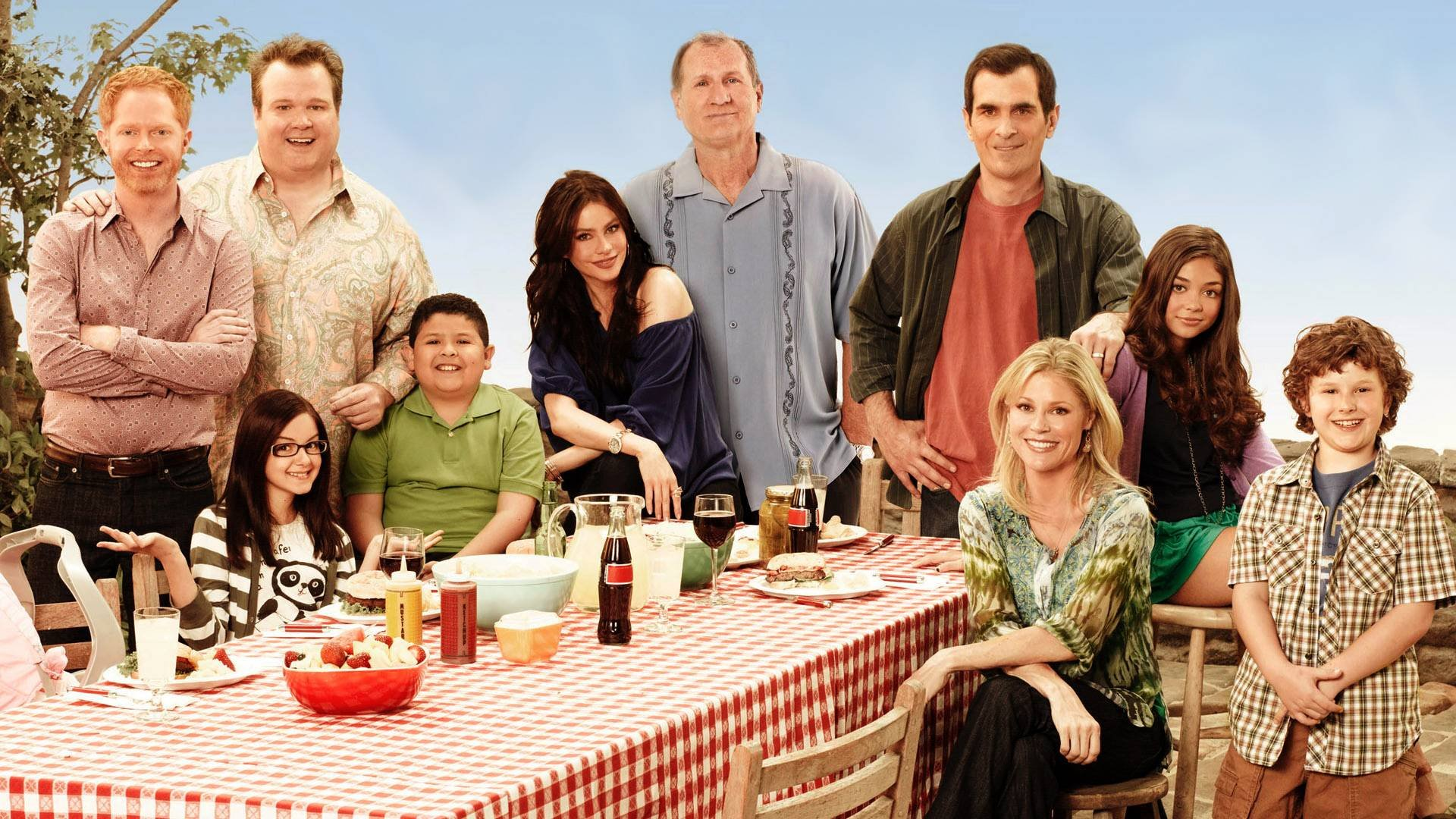Modern family sitcom comedy series 47 wallpaper for Modern family wallpaper