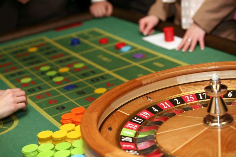 roulette wheel gambling (1) wallpaper