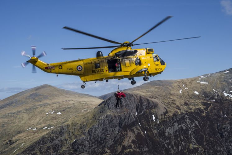 England mountains rescue helicopter military 4000x2678 wallpaper