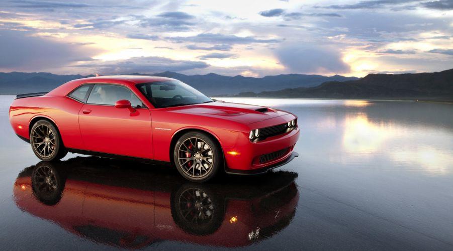 Dodge Challenger SRT Hellcat wallpaper