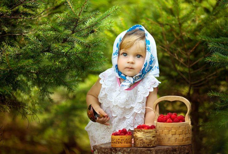 children girl child timber basket berries spoon look wallpaper