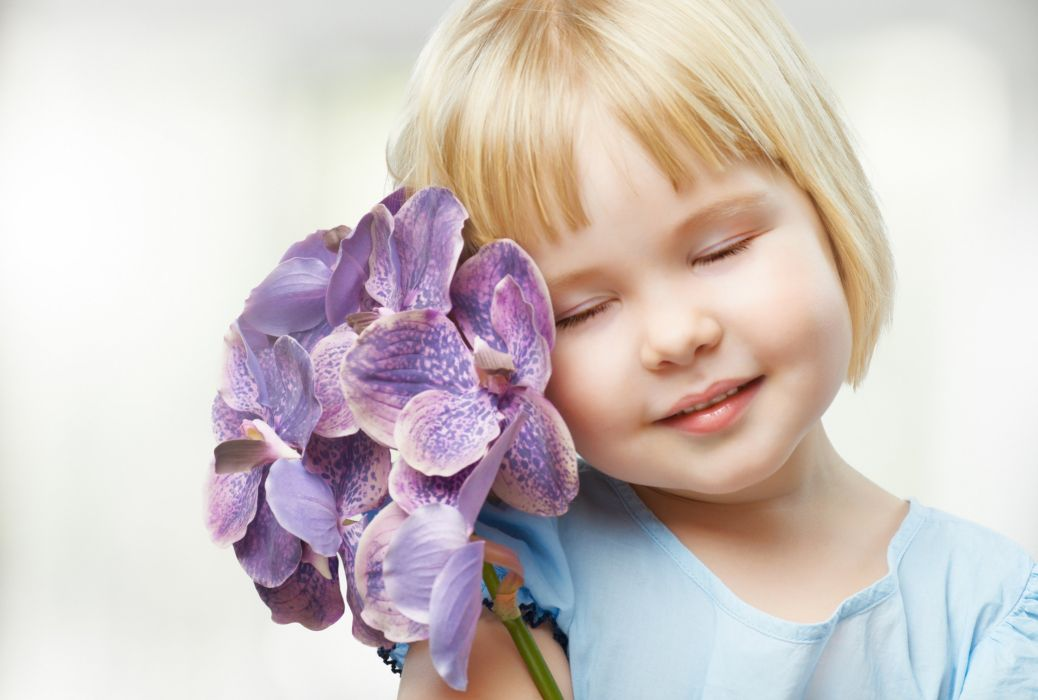 girl flower eyes baby mood wallpaper